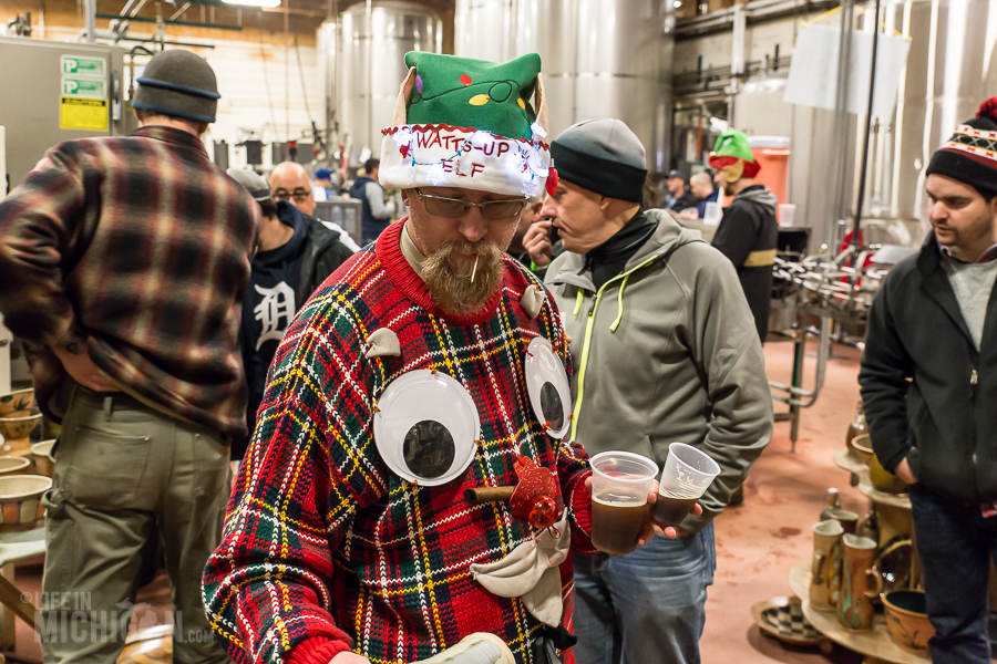 4 Elf Party - Dark Horse Brewing - 2014 -5