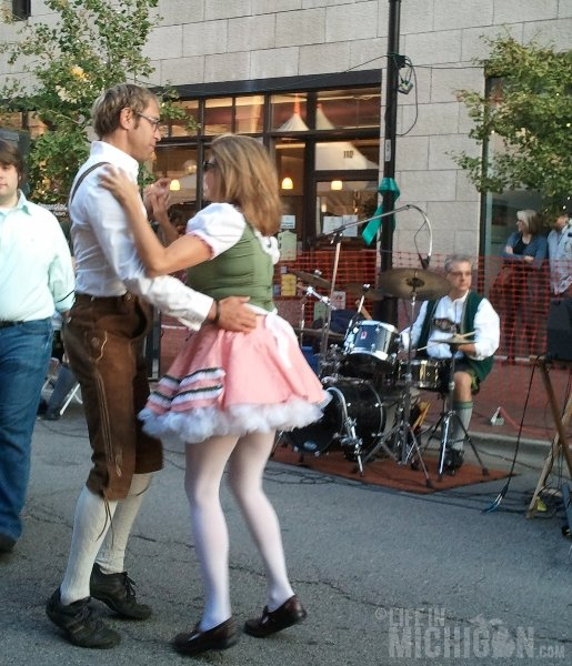 Arbor Brewing Co Dancers Oktoberfest 2012