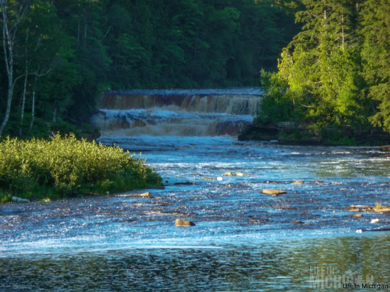Lower Tahquamenon falls in the early morning