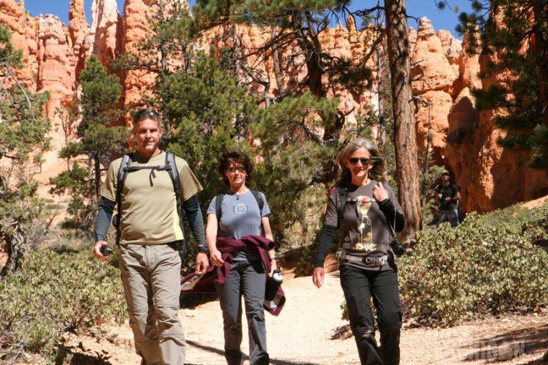 Hiking buddies on the Queens Garden trail