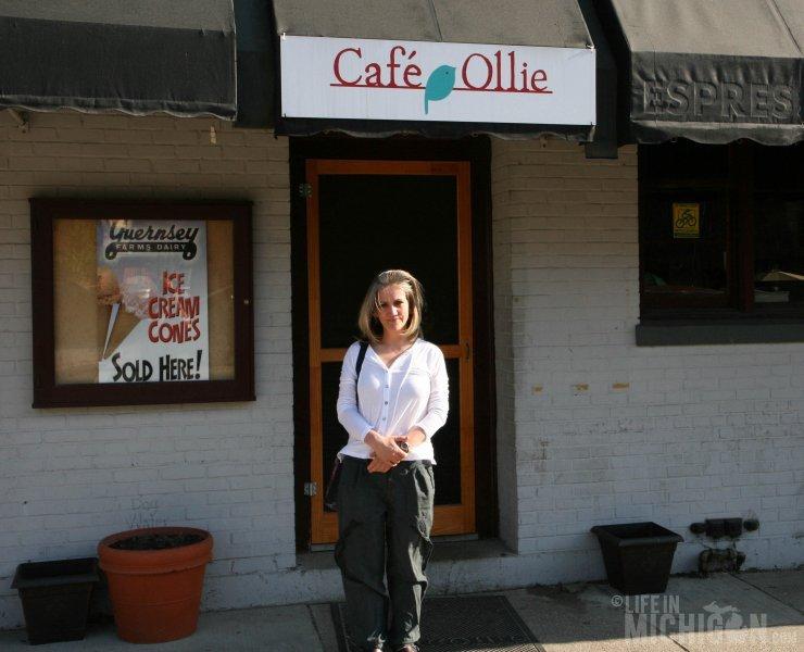 Brenda outside Cafe Ollie