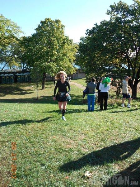Lynda Hammond finishing the Rave Run