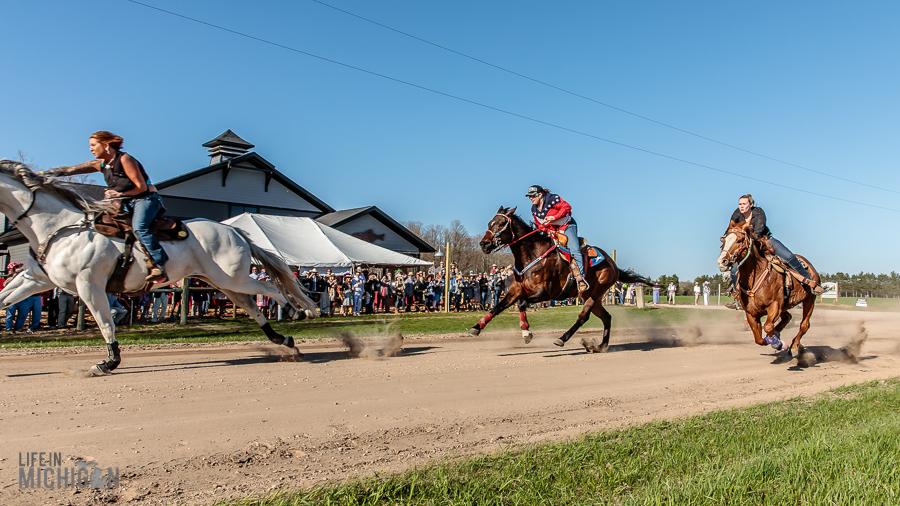 Hats-Horses-Event-Iron-Fish-77
