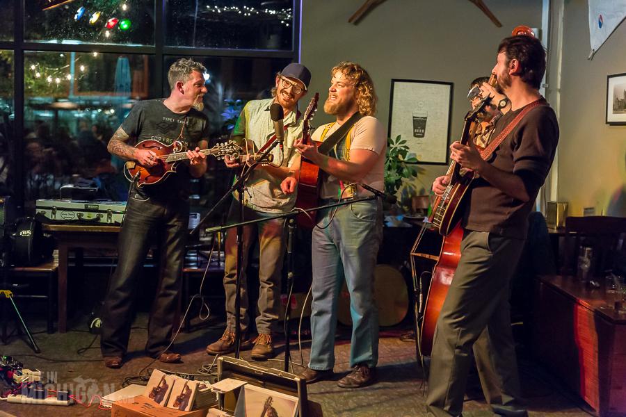 Best of Life In Michgian 2015 - Bluegrass Bonanza JasonDennieMarkLavengood-ChelseaAlehouse-Chelsea-MI-20151028-ChuckMarshall-029