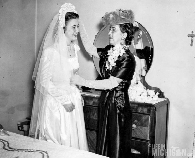 Betty Brown with LuLu Brown Wedding 1947