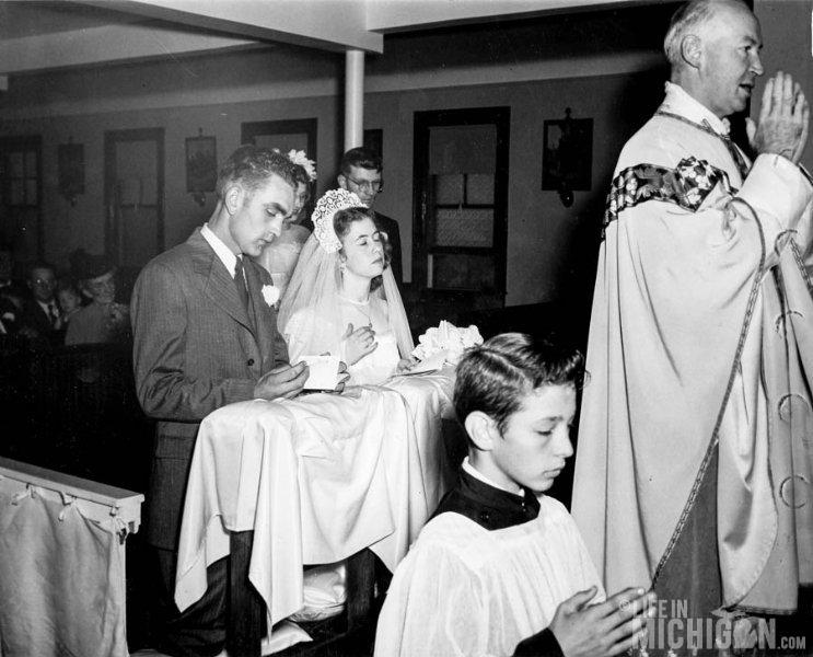 LDean and Betty Praying Wedding 1947