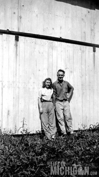 Betty and LDean on the Farm