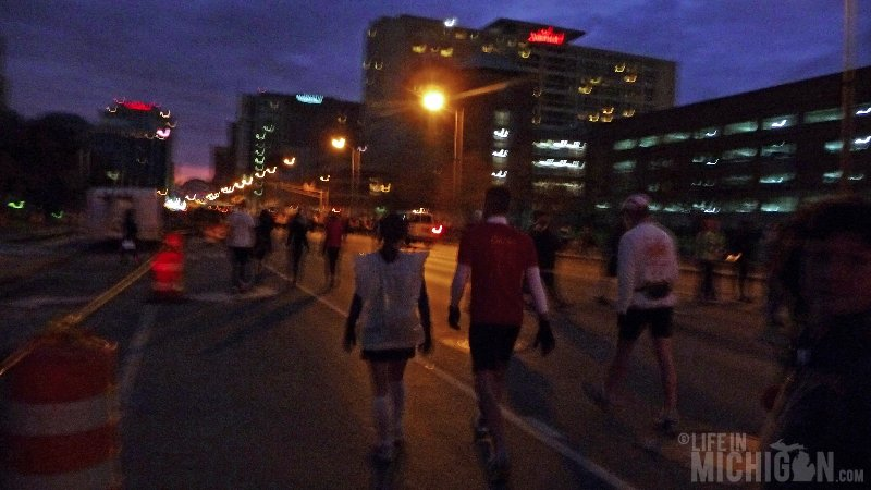 indy-runners-approach-start