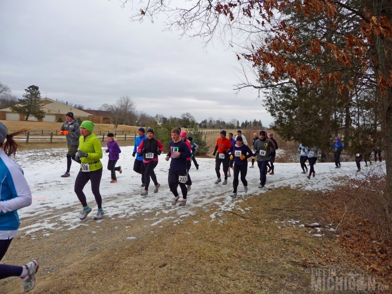 Runners getting into the grove about a quarter mile into the No Frills All Thrills trail race
