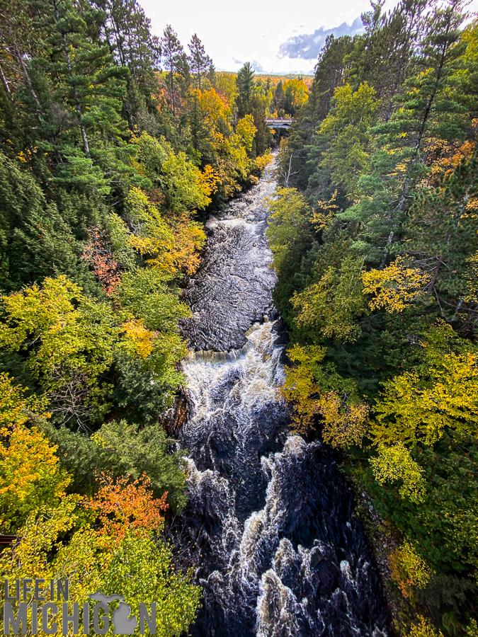 Northern Michigan Fall Color Tour - Agate Falls